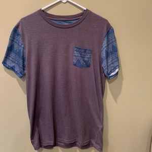 blue and gray T-shirt